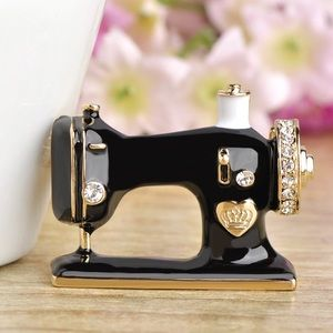 Jewelry - Black Sewing Machine Brooch